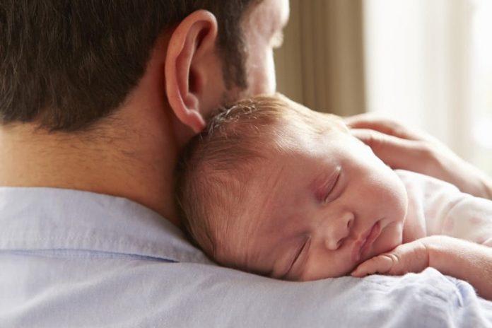 Pai é insubstituível na criação da criança