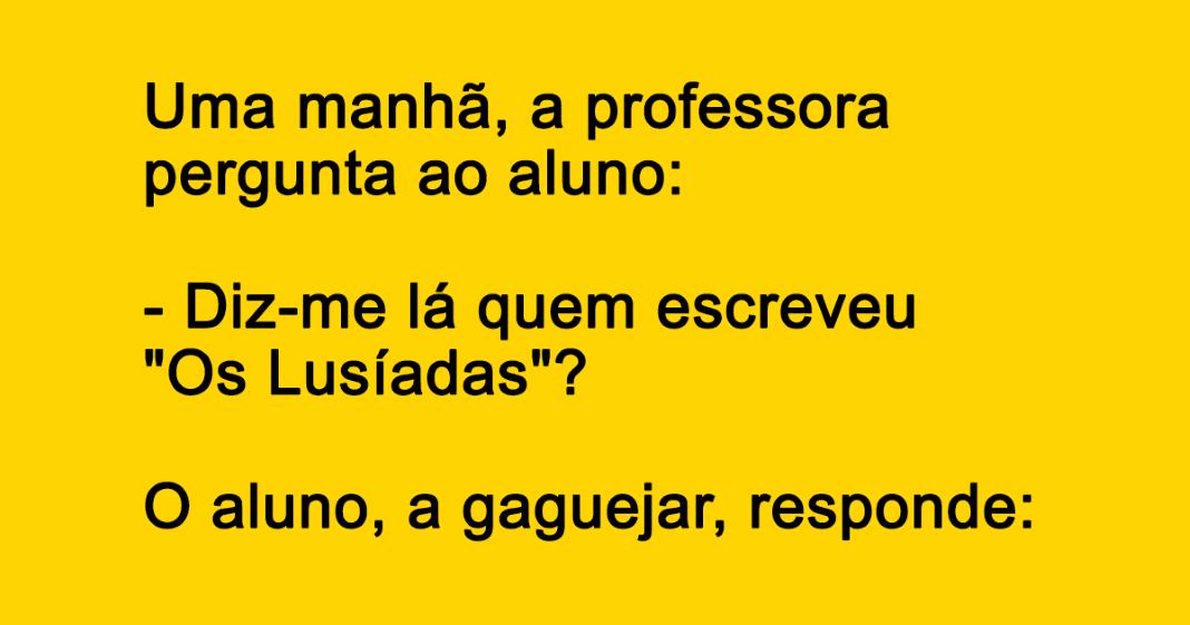 professora fala com o aluno
