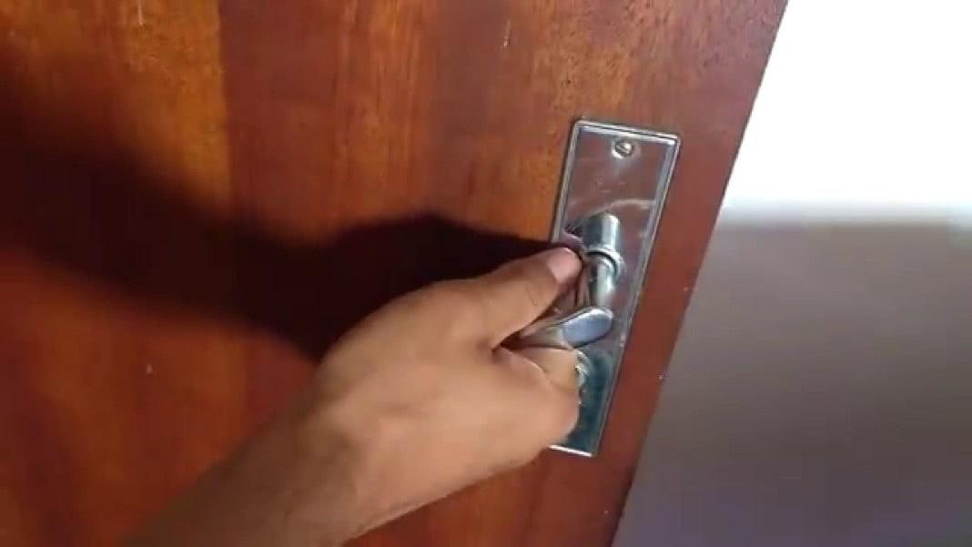 Dormires com a porta do quarto fechada