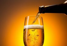 Beber cerveja é mais eficaz contra rugas