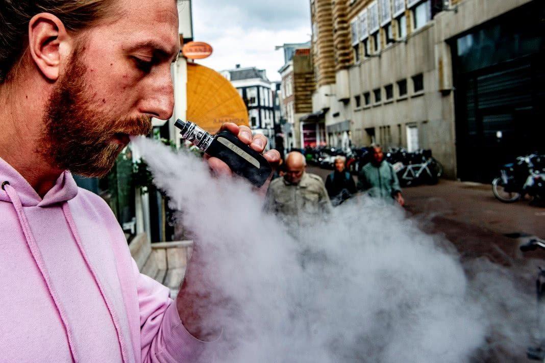 Cigarros electrónicos possuem químicos