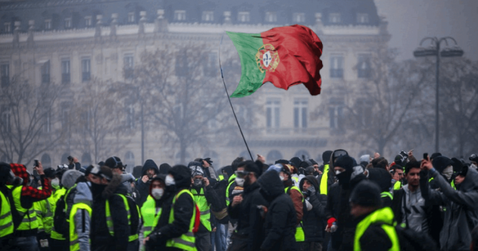 mega revolta idêntica à da França