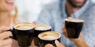 Pessoas que não colocam açúcar no café são más