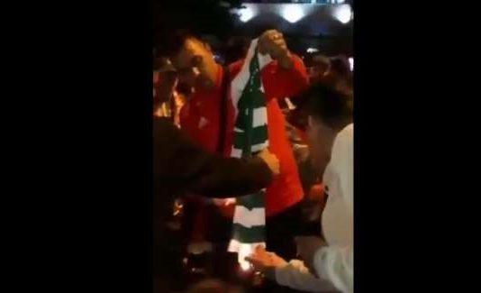 Benfiquistas queimam camisola do Sporting
