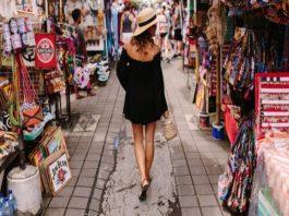Feira em Lisboa com roupa