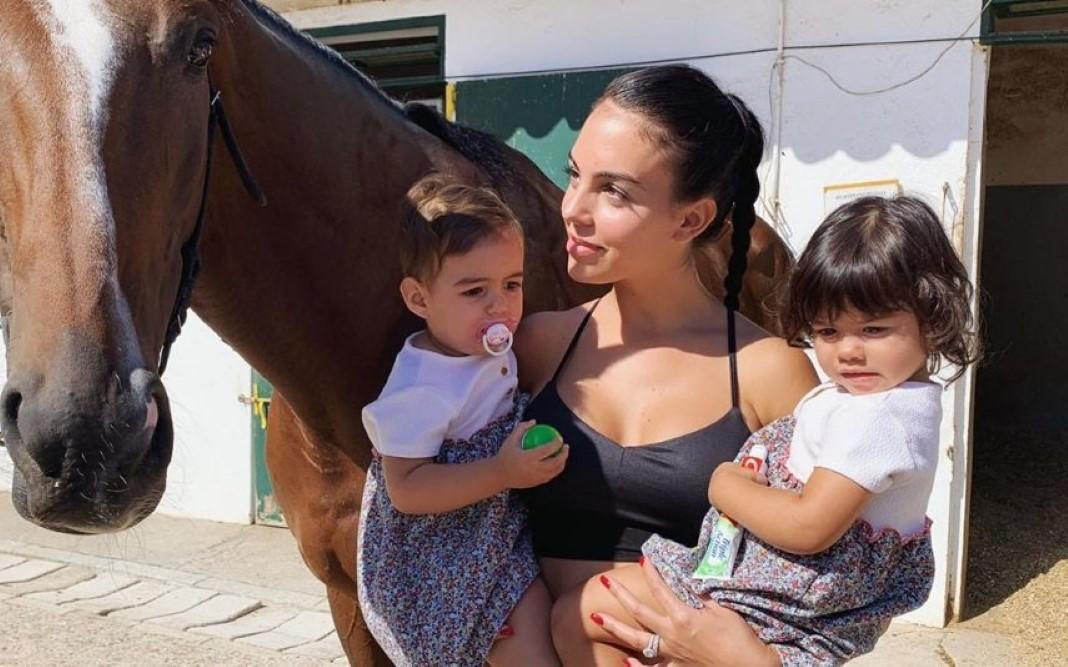 fotografias amorosas com os filhos de CR7