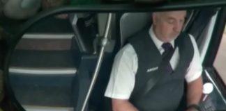 Passageiros filmam motorista de autocarro