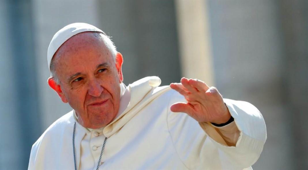 Papa convoca fieis de todo o mundo