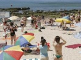 rixa na praia do Tamariz