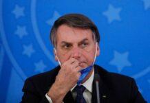 """Para Bolsonaro """"todo o mundo"""" deve comprar armas"""